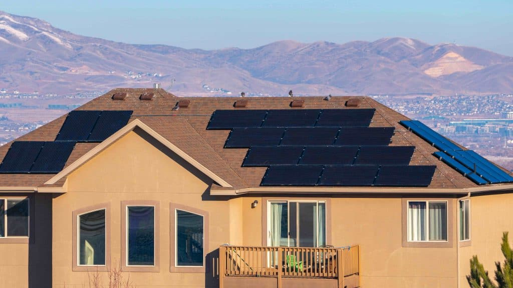 Solar Lease vs Buy: Know the Difference in Benefits